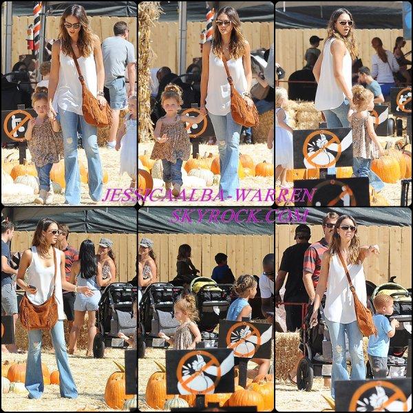 11 octobre - Jessica Alba et sa famille à la Pumpkin Patch à Beverly Hills