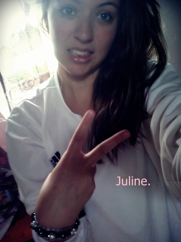 Je ne cherche pas a être la plus mignonne !*. Mais juste a faire la Fierté de MON*Homme. ♥ (Julien).