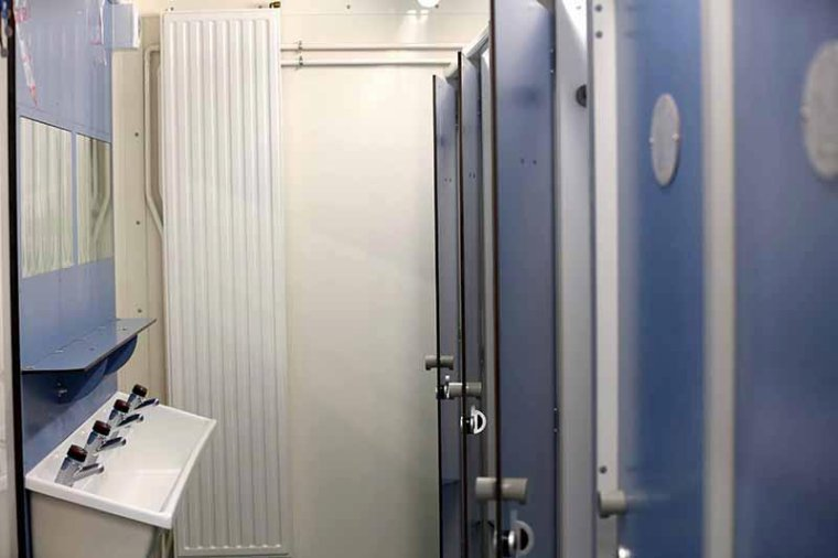 Arlette Gruss > Les nouveau sanitaire du personnelle
