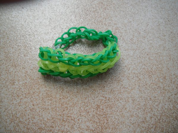 un nouveau bracelet élastique.