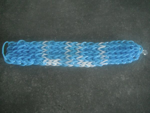 un bracelet pour ma fille Alicia.