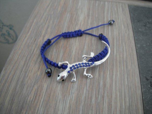 un collier et bracelet pour ma belle mère.