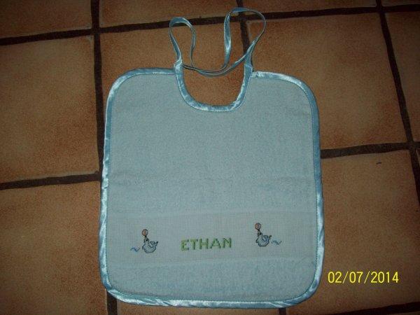 j'ai oublié de vous montrez le bavoir pour un petit Ethan le fils d'une collège.