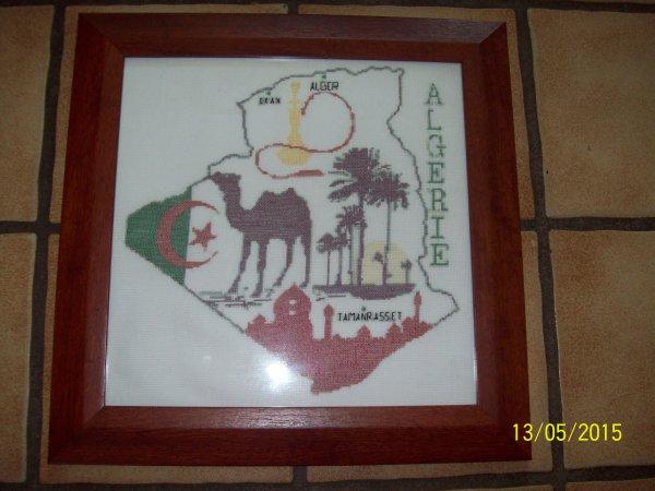 ma broderie d'Algérie en cadre.