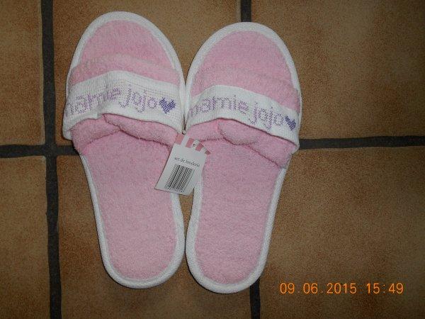 des chaussons pour l'anniversaire de maman.