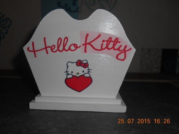 porte serviette ou porte crayon hello kitty.