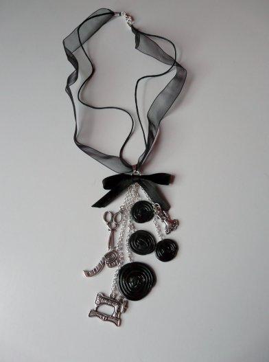 collier thème couture