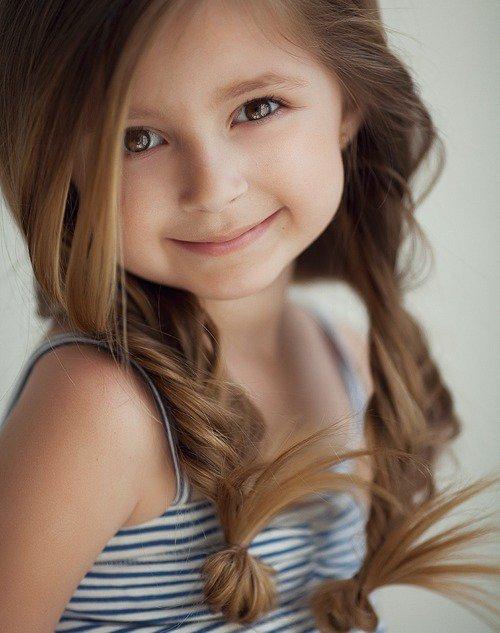 Un autre petite fille (l)