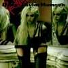 About-TaylorMomsen