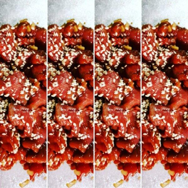 Filet de boeuf mariné au mirin, sauce soja japonaise et sésame