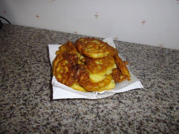 1er beignet au courgette (cote de porc curry paprika sauce a la bierre)