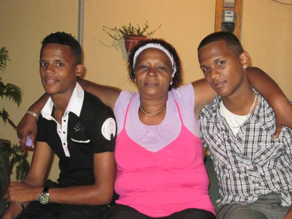 moi maman and my brother pou le 25/12/2010