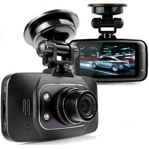 Après le GPS, Le téléphone, voila la caméra embarquée à la disposition du grand public. Il suffit à l'aide d'une ventouse, de la fixer à l'endroit ou vous voulez, et elle filmera votre trajet, l'intérieur du véhicule etc. Comptez environ 100euros