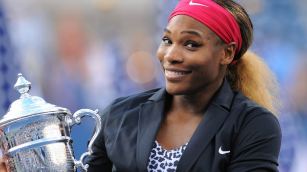 TENNIS: SERENA WILLIAMS REMPORTE APRES SA VICTOIRE A L'US OPEN, LE PLUS GROS CHEQUE JAMMAIS ATTRIBUE A UN JOUEUR DE TENNIS. 4 MILLIONS DE DOLLARS
