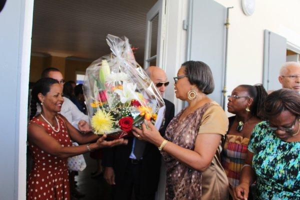 PREFECTORALE. La préfète de la Région Guadeloupe a fait valoir ses droits à la retraite. Lors d'une cérémonie conviviale samedi 29 novembre, elle a fait ses adieux en tant que préfète de la régioon Guadeloupe et s'est dit paticulièrement heureuse du travail accompli mais aussi de pouvoir désormais s'occuper à temps plein de sa famille.