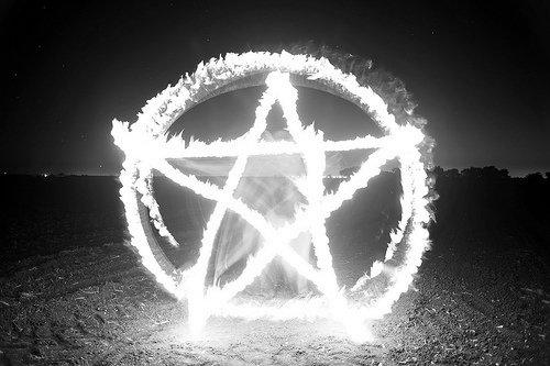 Le Pentagramme