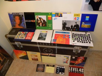 The LEVEL Room ... my  Collection 45t et Maxi