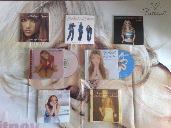 "1er album ""...Baby One More Time"""