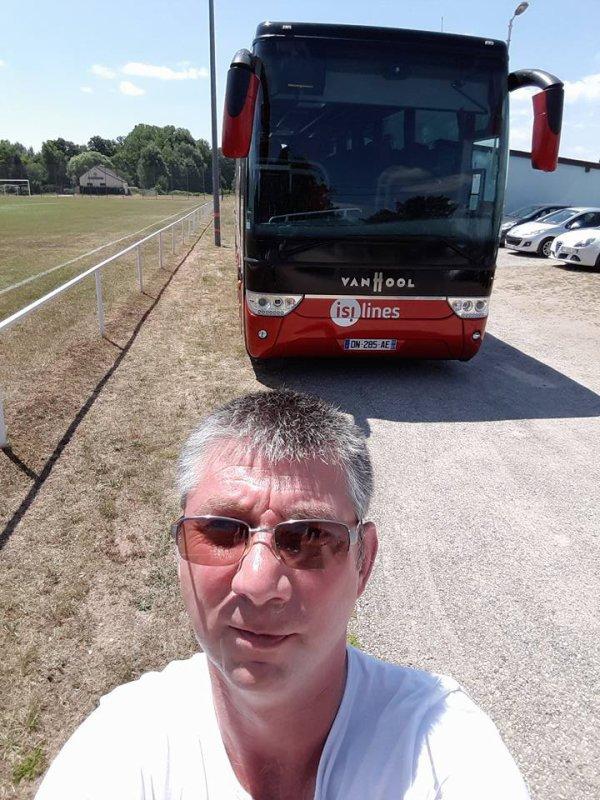 silimes en voyage bus