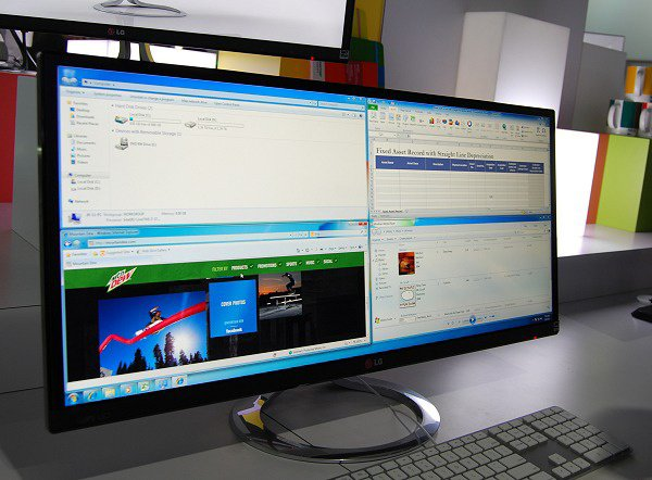 LG's Easy to Manage Ultra Widescreen 29-inch Monitor. For more info plz visit  http://tinyurl.com/arruuxn
