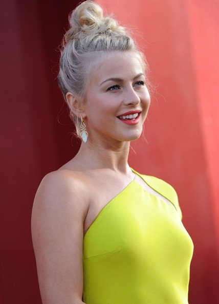 Julianne Hough à la première mondiale de The Rock Of Ages!♥