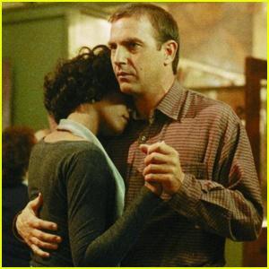 18.02.2012.: Funérailles de Whitney Huston. - Kevin Costner