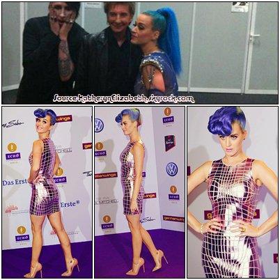 28.03.2012.: Katy sur le tapis rouge des Echo Awards.