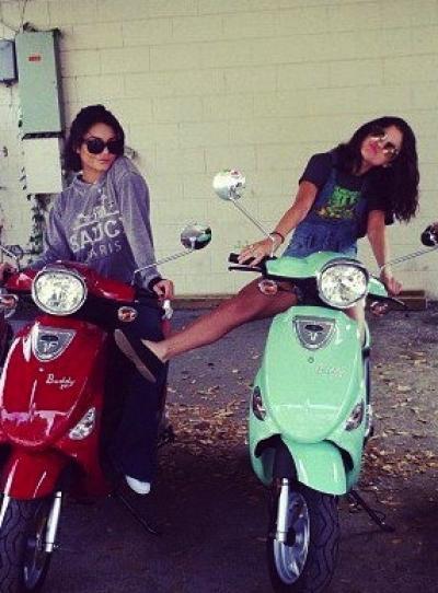 "Vanessa Hudgens : Des relations très tendues avec soit disant une ""princesse de disney"" (Selena Gomez)"