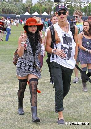 Vanessa Hudgens et Austin Butler au festival de music de Coachella.