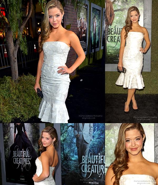""". 06/02/13 :Sasha était présente à l'avant première du film 'Beautiful Creatures' a L.A. C'est en mode """"Beautiful"""" que notre divine céature Sasha Pieterse était vêtu lors de l'A. P. , juste vraiment un énorme top. ."""