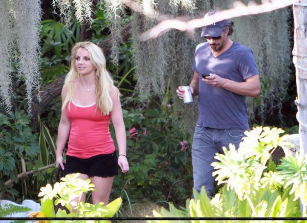 Britney Spears et Jason Trawick toujours aussi amoureux