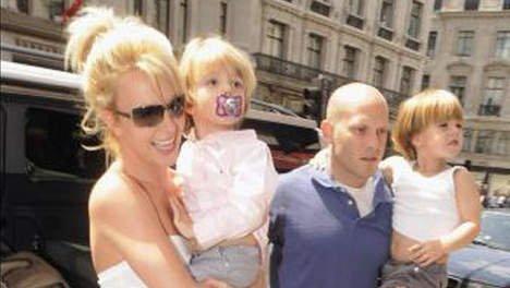 Les fils de Britney Spears vont avoir une petite soeur