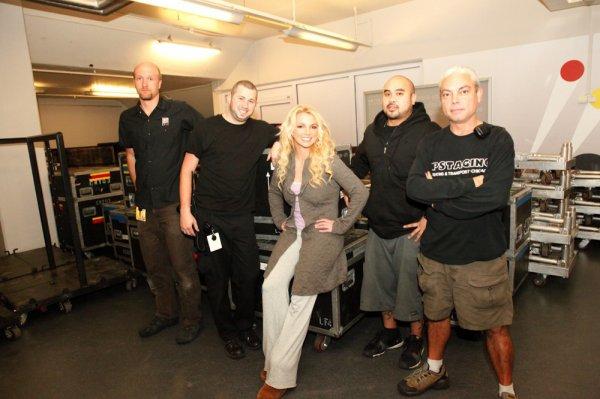Britney Spears : elle poste une nouvelle photo avec son staff