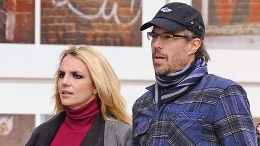 Britney Spears contrainte de reporter son mariage