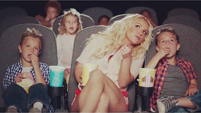 """Britney Spears a posté une photo du clip de la chanson """"Ooh la la"""""""