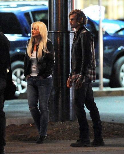 Britney Spears braque un automobiliste en pleine rue