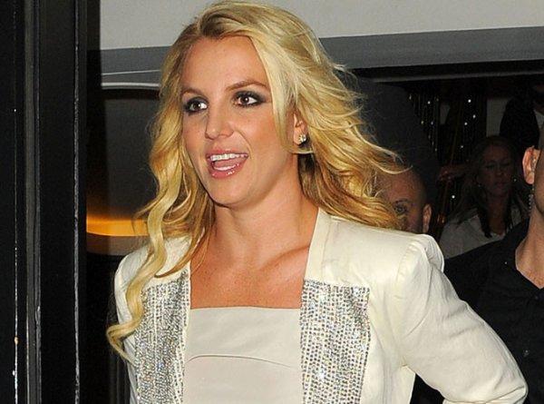 """Britney Spears : son conseil pour surmonter une rupture, """"trouver un nouveau mec très vite"""" !"""