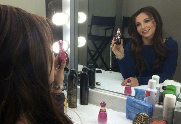 Britney Spears présente son nouveau look sur Instagram
