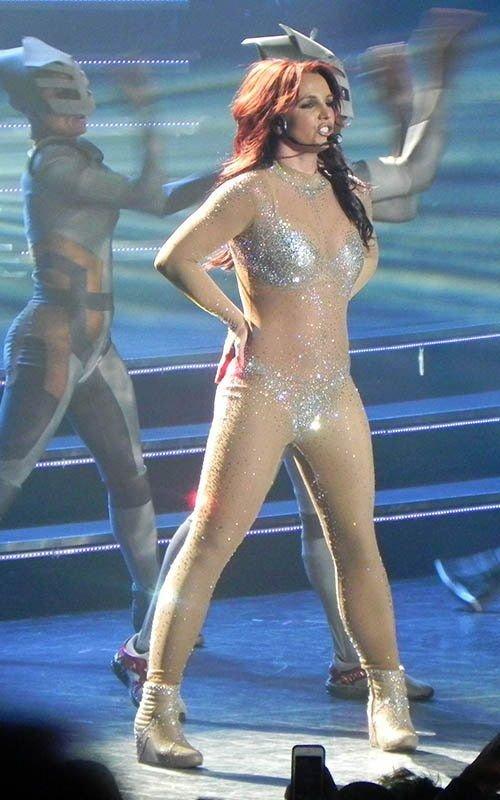 Britney Spears devient une rousse incendiaire !