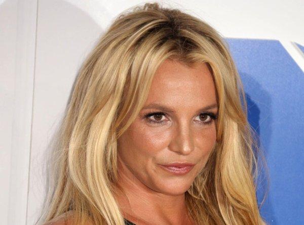 Britney Spears : Glory, quel devrait être le prochain single ?
