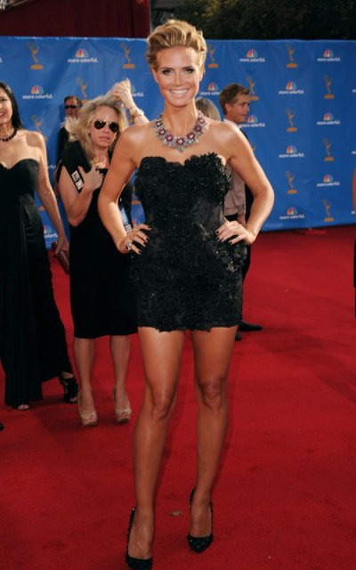 Heidi Klum, super sexy aux Emmy Awards! Très jolie robe, j'aime vraiment!