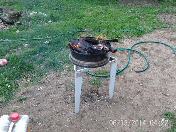 mon barbecue artisanal a la mic giver et aussi le premier barbec de l'année hier soir