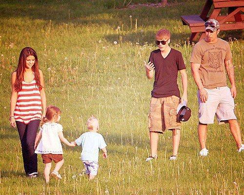 Selena Gomez a rencontré les parents de Justin Bieber