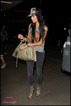 Nicole à l'aréoport de LA