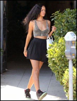 Rihanna faisant du shopping à Los Angeles