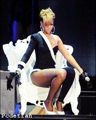 Rihanna performera au Fashion Show de Victoria Secret En Décembre