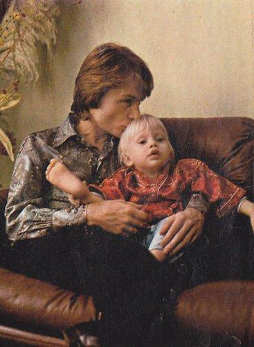 Claude et son enfant .