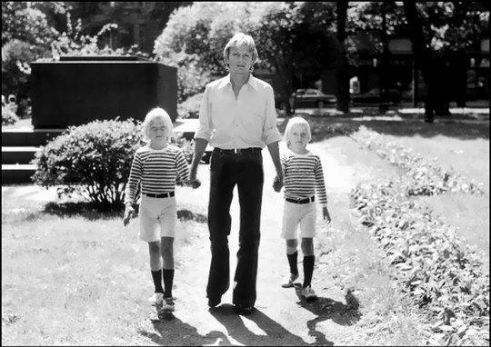 Claude et ses enfants .