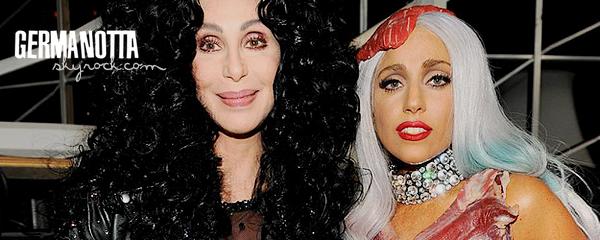 .Lady Gaga parle de son duo avec Cher à MTV News .
