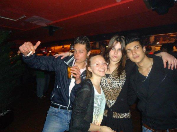 Sergio, Tania, Yo y Edgar <3